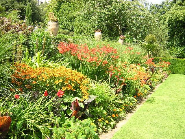Plas Newydd  garden border