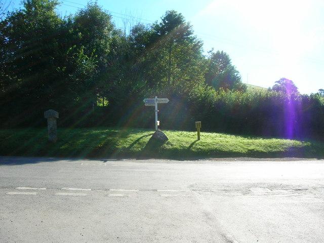 Road Junction at Merrymeeting