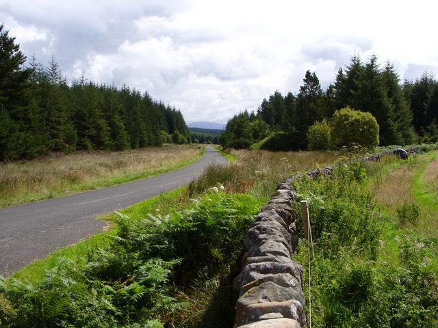 Minor Road outside the Knowe Village