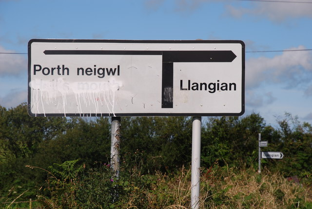 Ar y ffordd i Borth Neigwl - On the way to Porth Neigwl