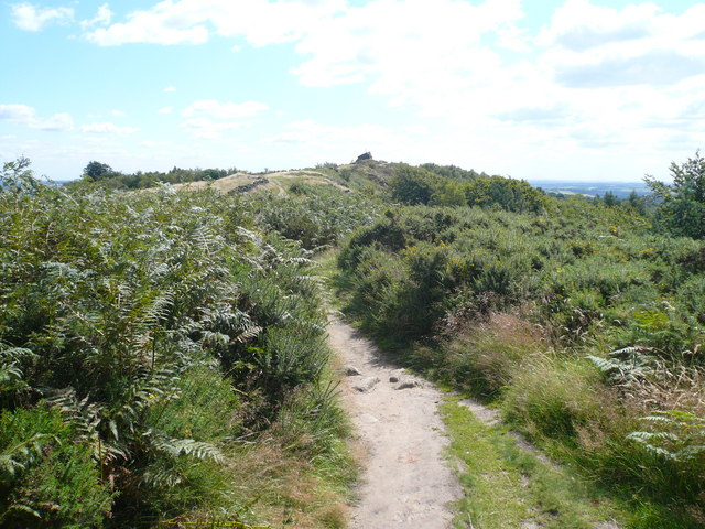 Approaching Ashover Rock from Alton Lane