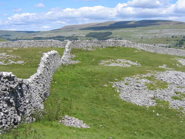 Stone Wall Junction above Kilnsey Crag