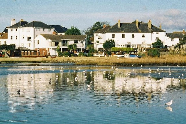 Mudeford: harbourside properties