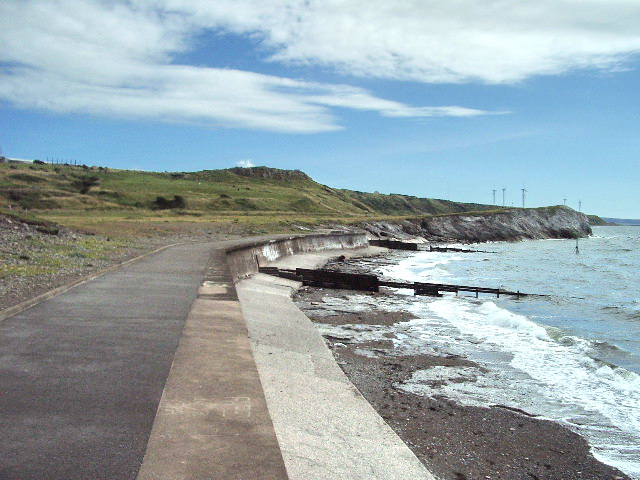 Sea wall at Bellaport Marina