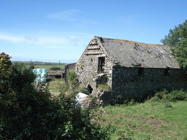 Barn with dovecot at Treifa farm