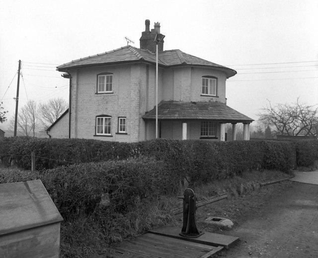 House beside Grindley Brook Top Lock, Llangollen Canal