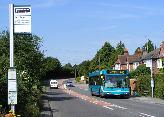 Longfield Road bus stop, Tring