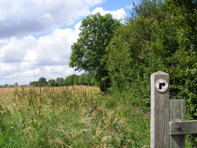 Footpath from Holwell to Mayfield Farm