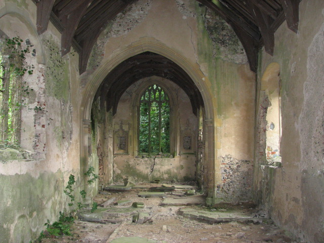 The ruin of St Peter's church, North Burlingham