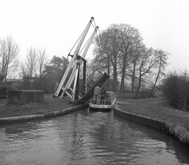 New Mills Lift Bridge No 31, Llangollen Canal