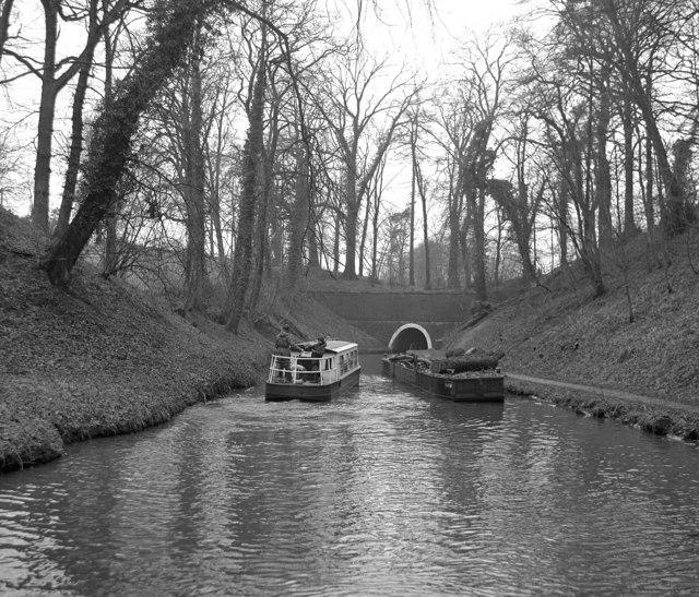 Approaching Ellesmere Tunnel, Llangollen Canal