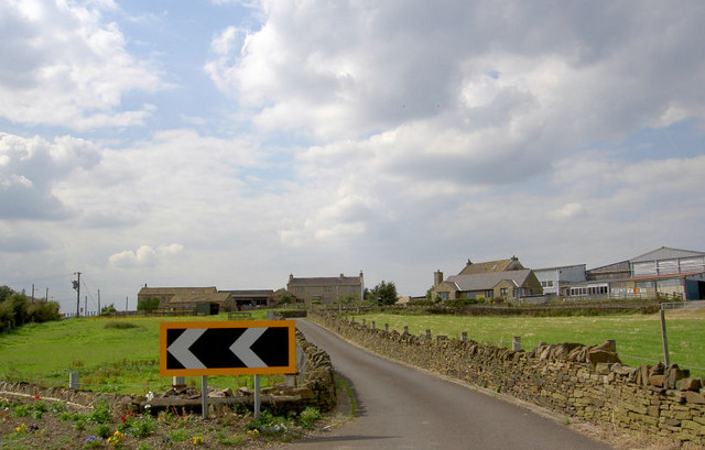 Farm lane on road from Brighouse to Grange Moor.