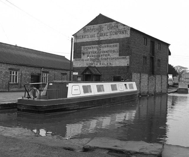 Canal warehouse, Ellesmere Basin, Llangollen Canal