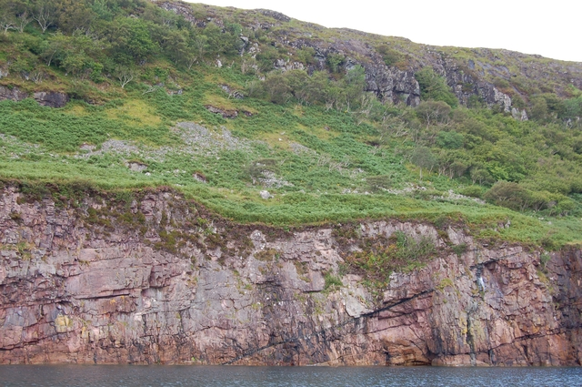 Coastline below Cnoc Leathan