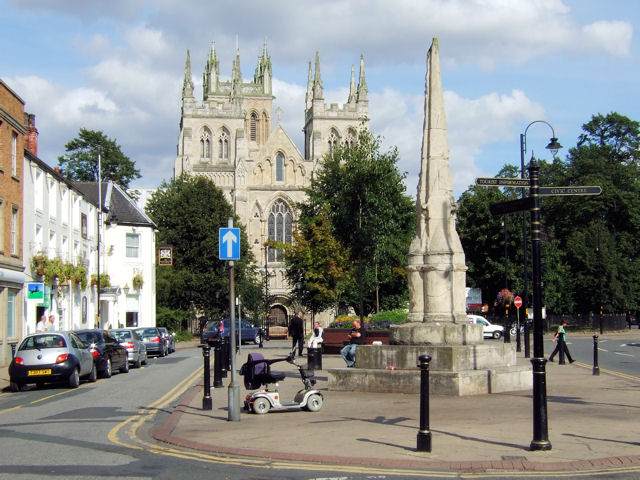 Selby Abbey and War Memorial