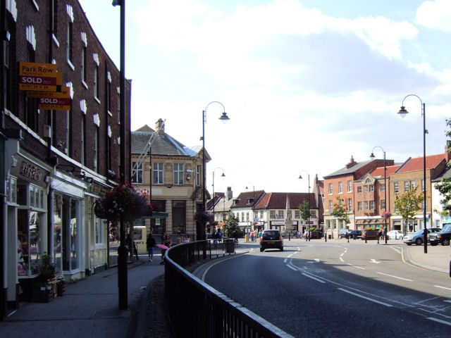 Selby - Park Street / The Crescent