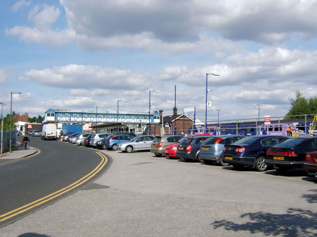 Selby Railway Station approach (Station Road)