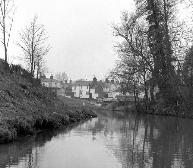 Rhoswiel, Llangollen Canal