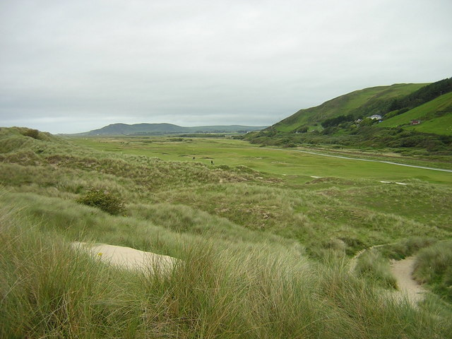 View across Aberdyfi golf course