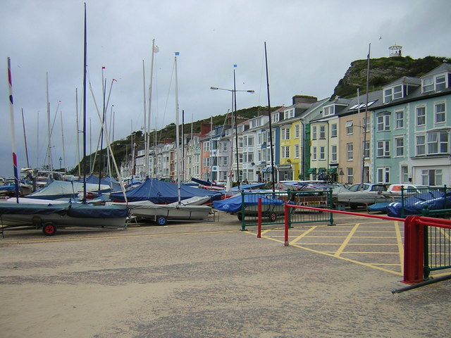 Aberdyfi sea front buildings