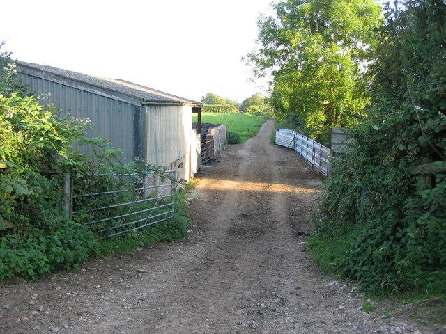 Dismantled railway near Grove Farm