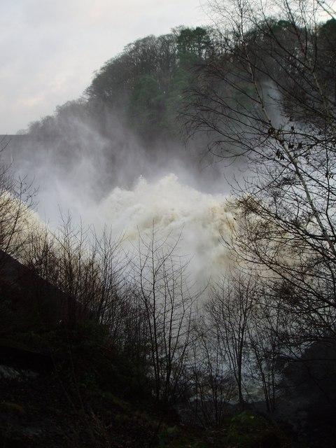 Water spilling over Earlstoun Dam