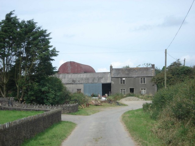 Farm buildings at Ty-cant
