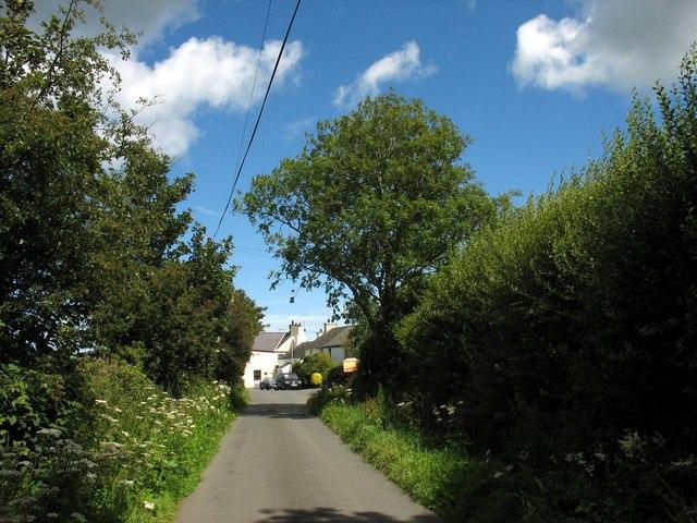 Approaching the village of Rhoscefnhir