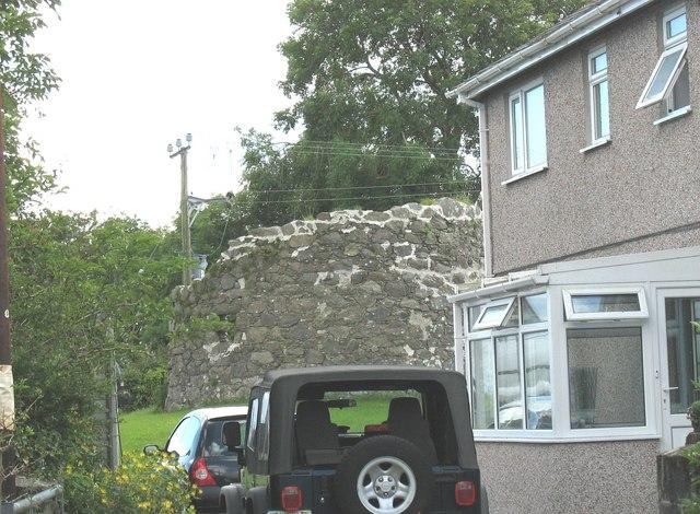 Melin Orsedd - a ruined windmill (corn) at Rhoscefnhir