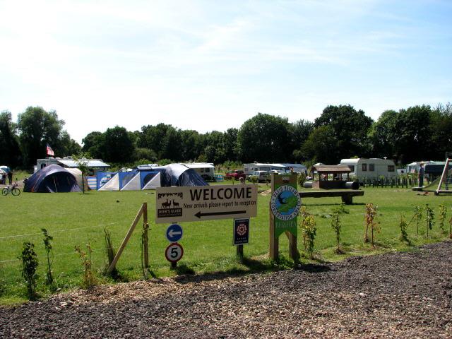 Deer's Glade Camping & Caravan Park