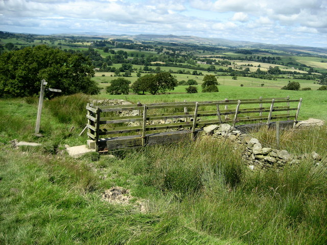Pennine Way near Wood House