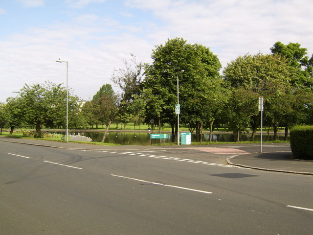 Pond in Knightswood Park