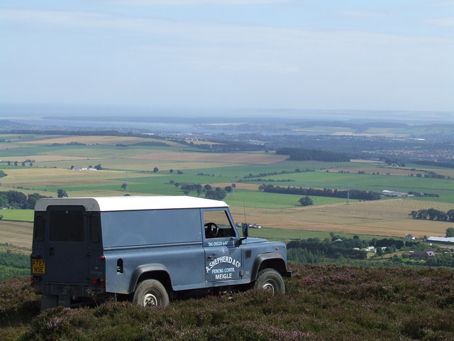 Landrover with a view, on Auchterhouse Hill