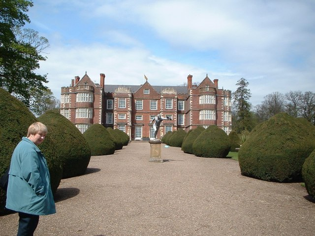 Burton Agnes Hall and statue of Discus thrower