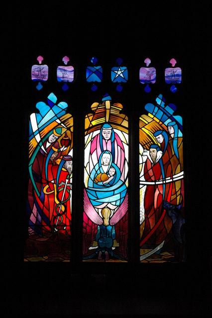 Modern stained glass window, Barton-on-the-Heath Church