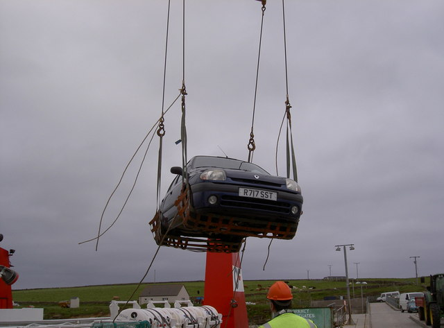 Car being winched off at Papay Pier
