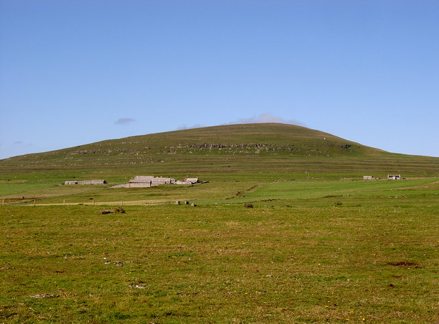 East Kirbest farm with Vins Hamar (Fitty Hill) in background