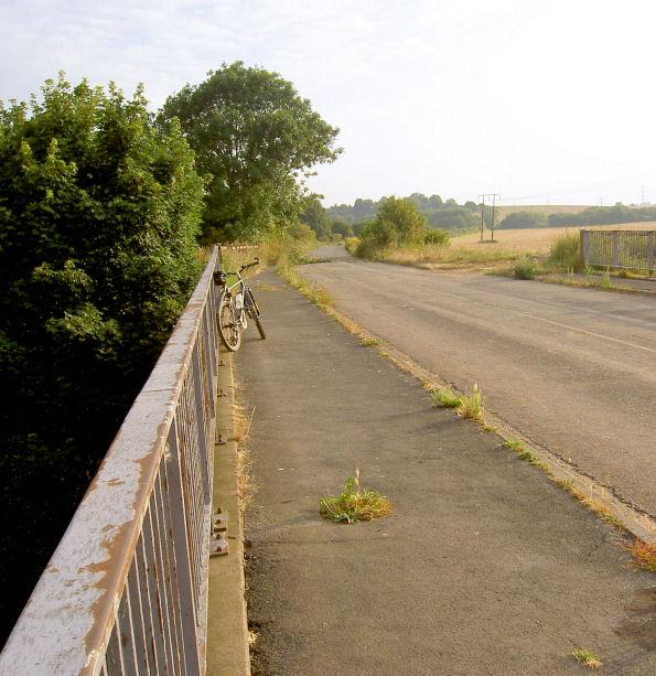 Bridge over River Dearne at Broomhill. Marle's bridge.
