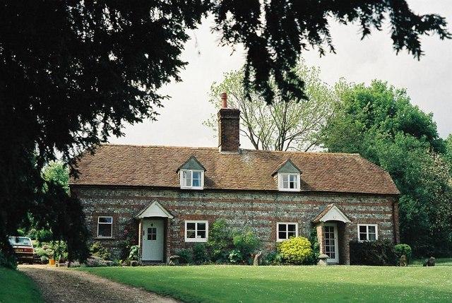 Pentridge: brick and flint cottages