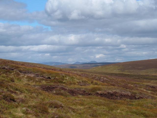 Looking NNE towards Angel's Peak and Cairn Toul
