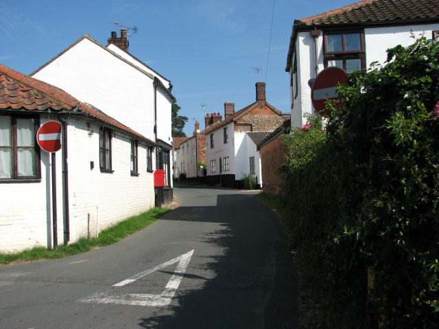 The other end of Back Street