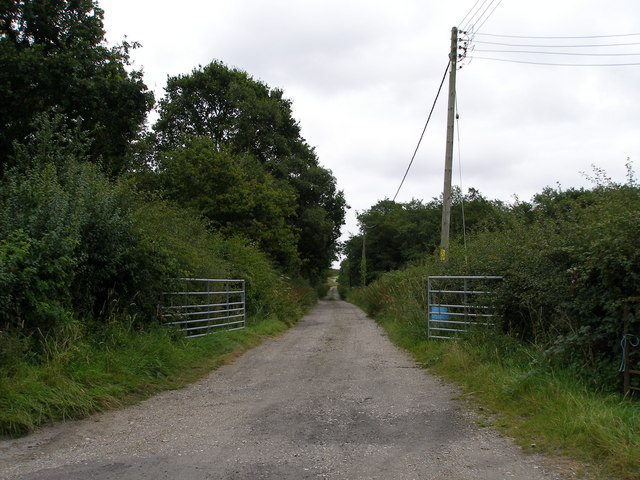 Road to Dunham Cottages