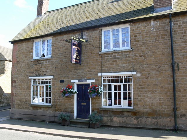 The Three Crowns Inn, Somerby