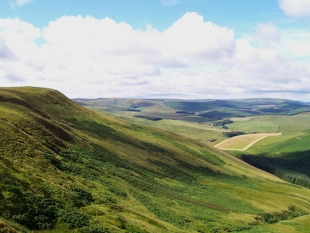 Gaisty Law summit and north western slopes