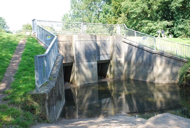 Sluice gates, Tubbs Bottom