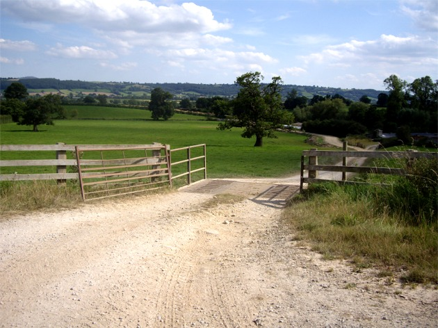Farm track off the B4368