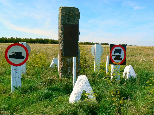 Monument to four highwaymen, Imber Range, near Tilshead