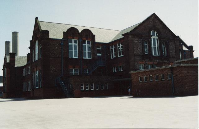 Lister Drive School (2003)