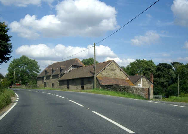 Roadside properties on the B4368 through Hungerford