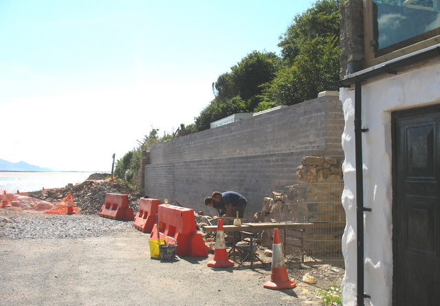Building a sea-defence wall at Tal-y-Foel